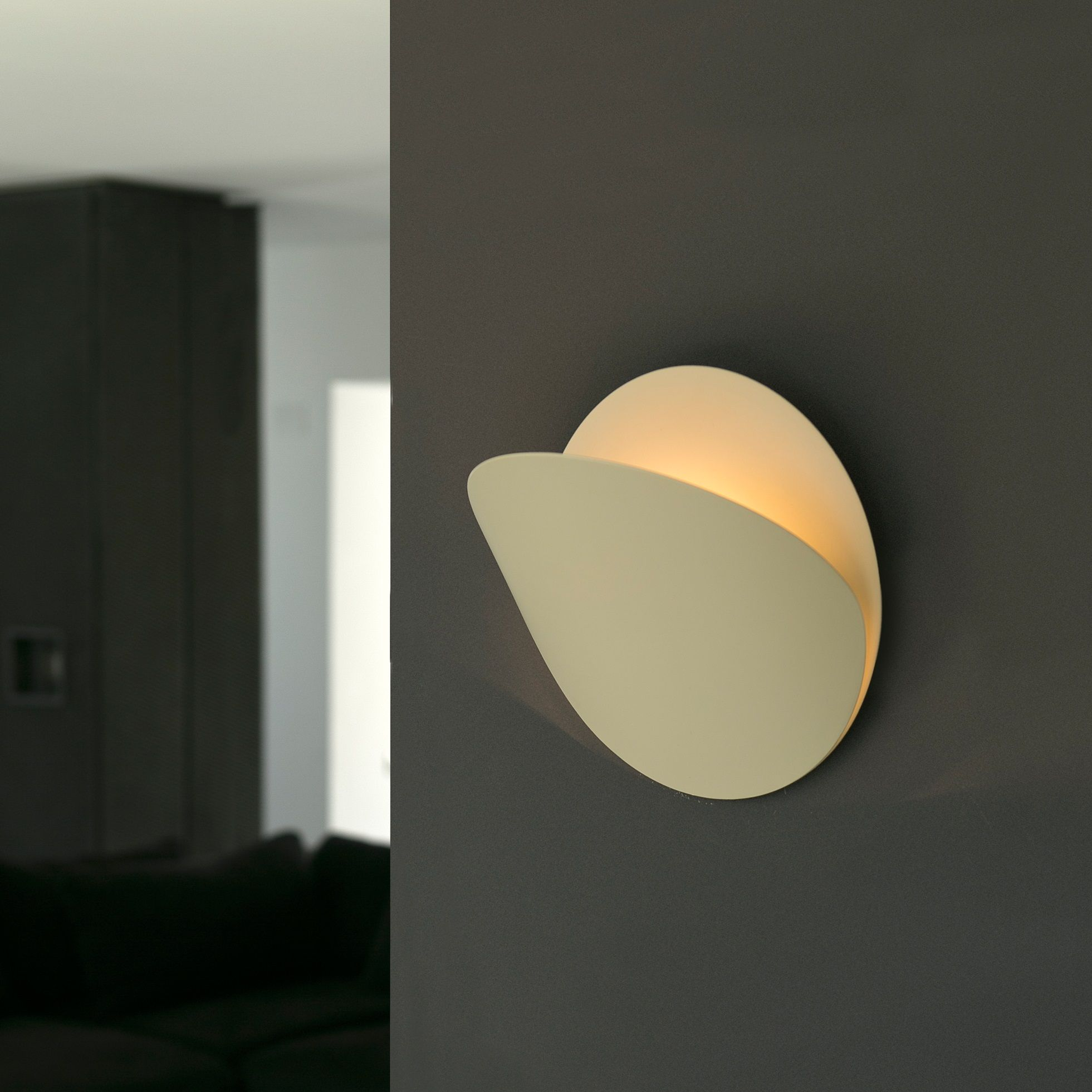 Estudi Ribaudi signe pour Faro une bien jolie lampe murale design ...