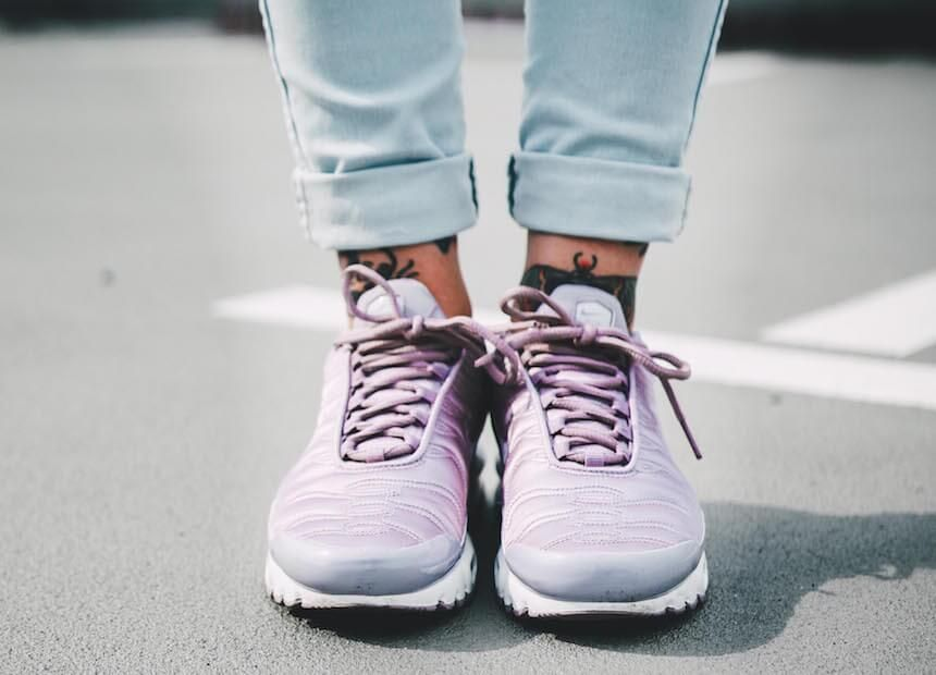 sports shoes e62e8 ce8a2 ... ONYGIRL Anni ist hin und weg vom Nike Air Max Plus SE TN in Violett.