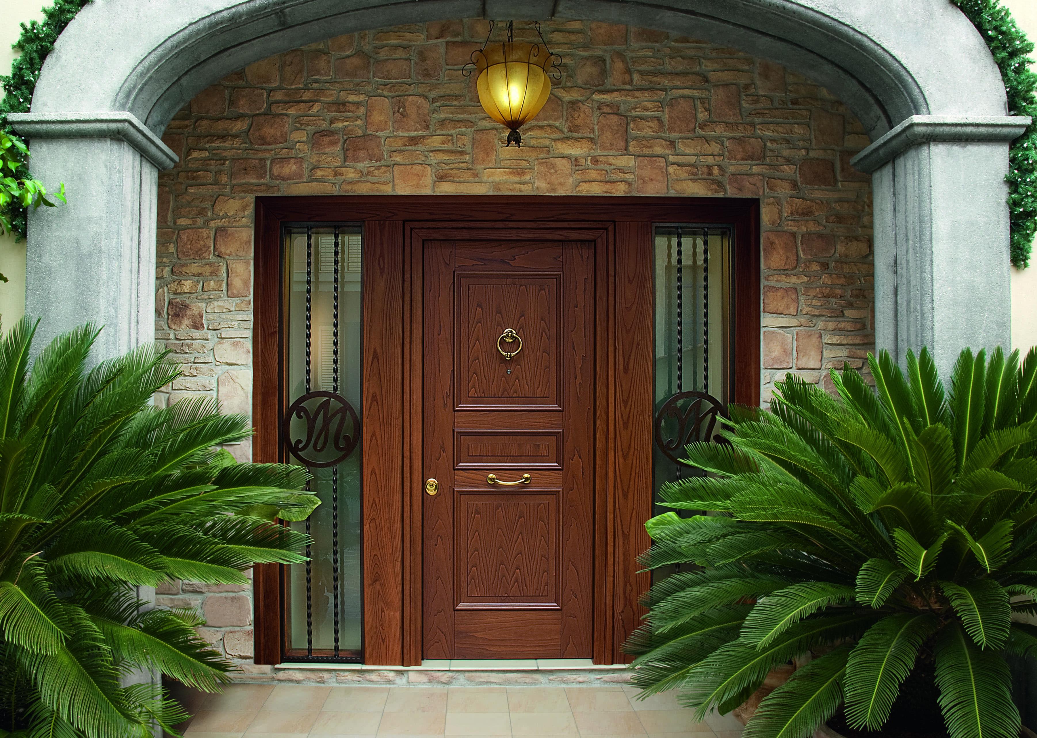 Evolution Entry Door Heartwood Line Lmv Classica Chestnut 3 Side Panel It Can Be Realized According To A Door Glass Design Exterior Doors Italian Doors