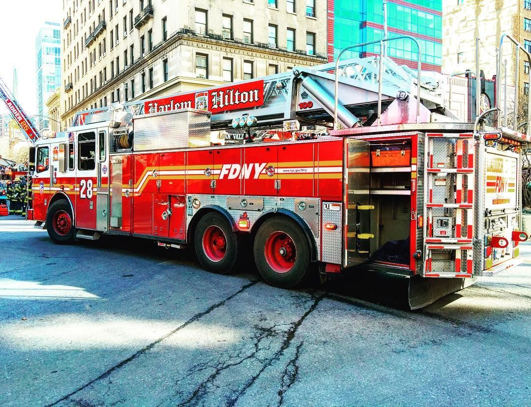 Fdny Ladder 28 Operating At A 3rd Alarm Fire In Manhattan