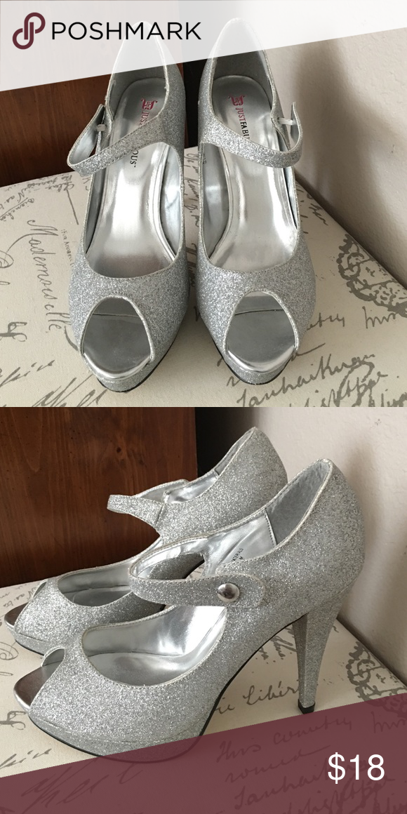 "Just Fab silver sparkle peep toe heel Beautiful silver peep toe heel with just the right amount of shimmer. Great condition!! 4 1/2"" heel. JustFab Shoes Heels"