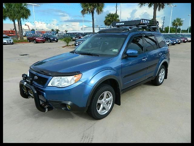 Awesome Rack On Top An Bumper Bar 2009 Subaru Forester Wondering If The Front Bar Would Cause More Damage Than It S Worth Subaru Forester Subaru Cars Subaru