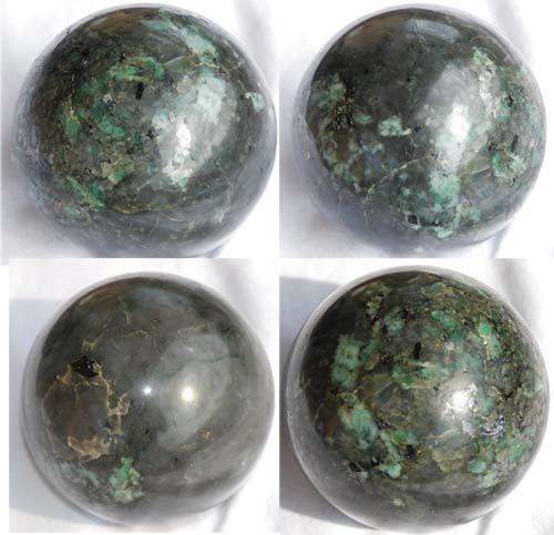 Sphère d'#émeraude, une #pierre très précieuse !