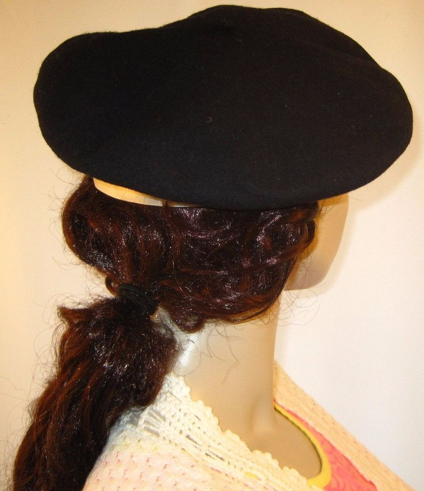 Borsalino Navy Wool Beret -Made in Italy- Measures 22-3 4