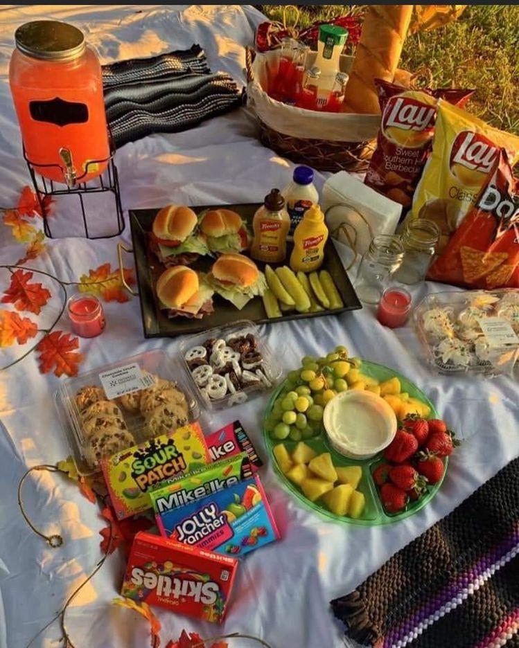 𝑃𝐼𝑁 : 𝐶𝐿𝐸𝐴𝐴𝐴𝑅𝑆𝐾𝑌 | Romantic picnic food, Picnic date food