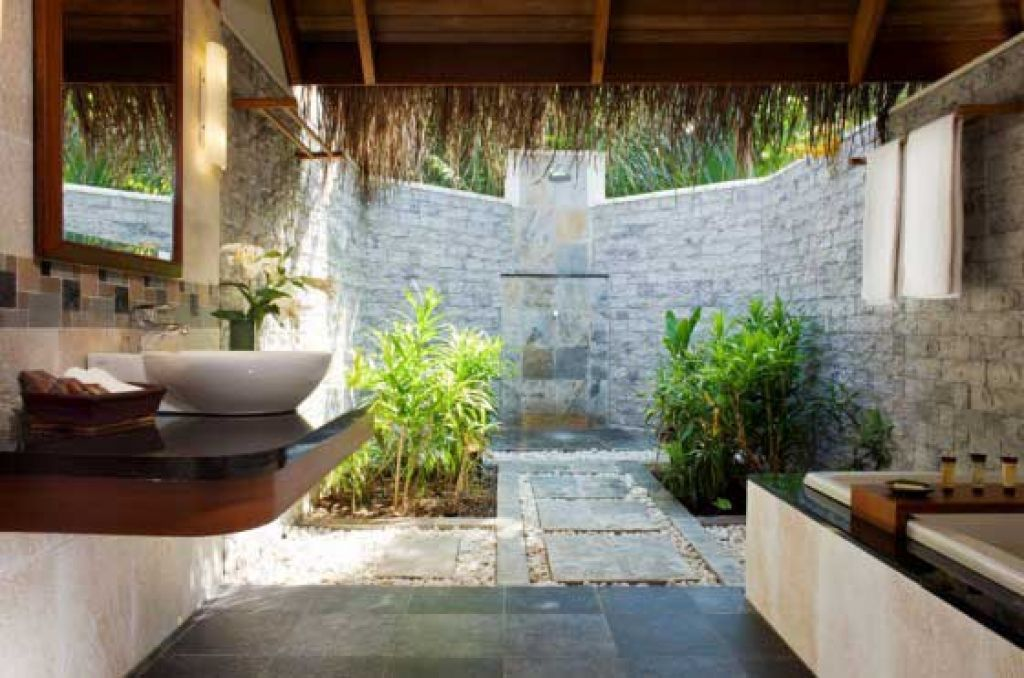 Charmant Open Shower Bathroom Design With Well Open Air Bathroom Concept .