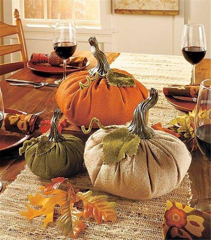 Burlap Pumpkins Centerpiece  /  http://amzn.to/2cGauAL