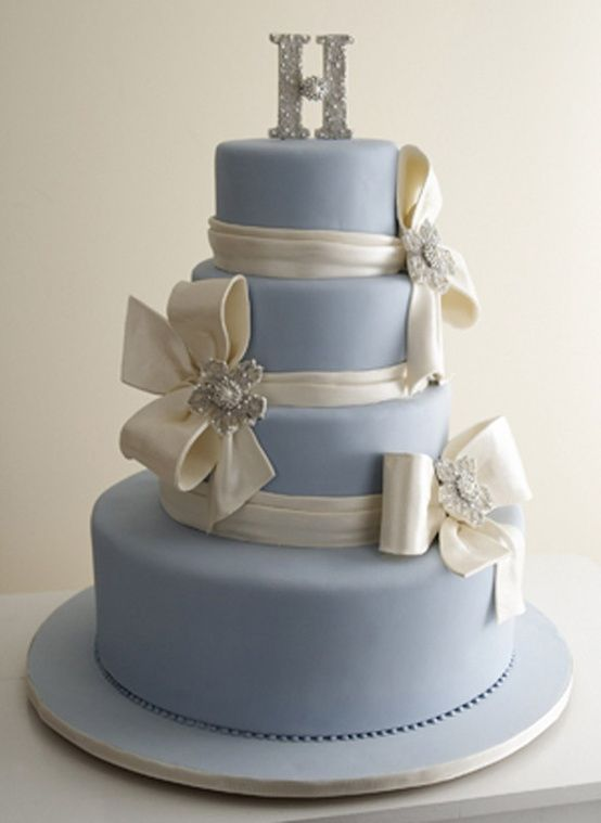 OMG! This is how I originally wanted my cake...when I thought my bridesmaids and I were going to have bows