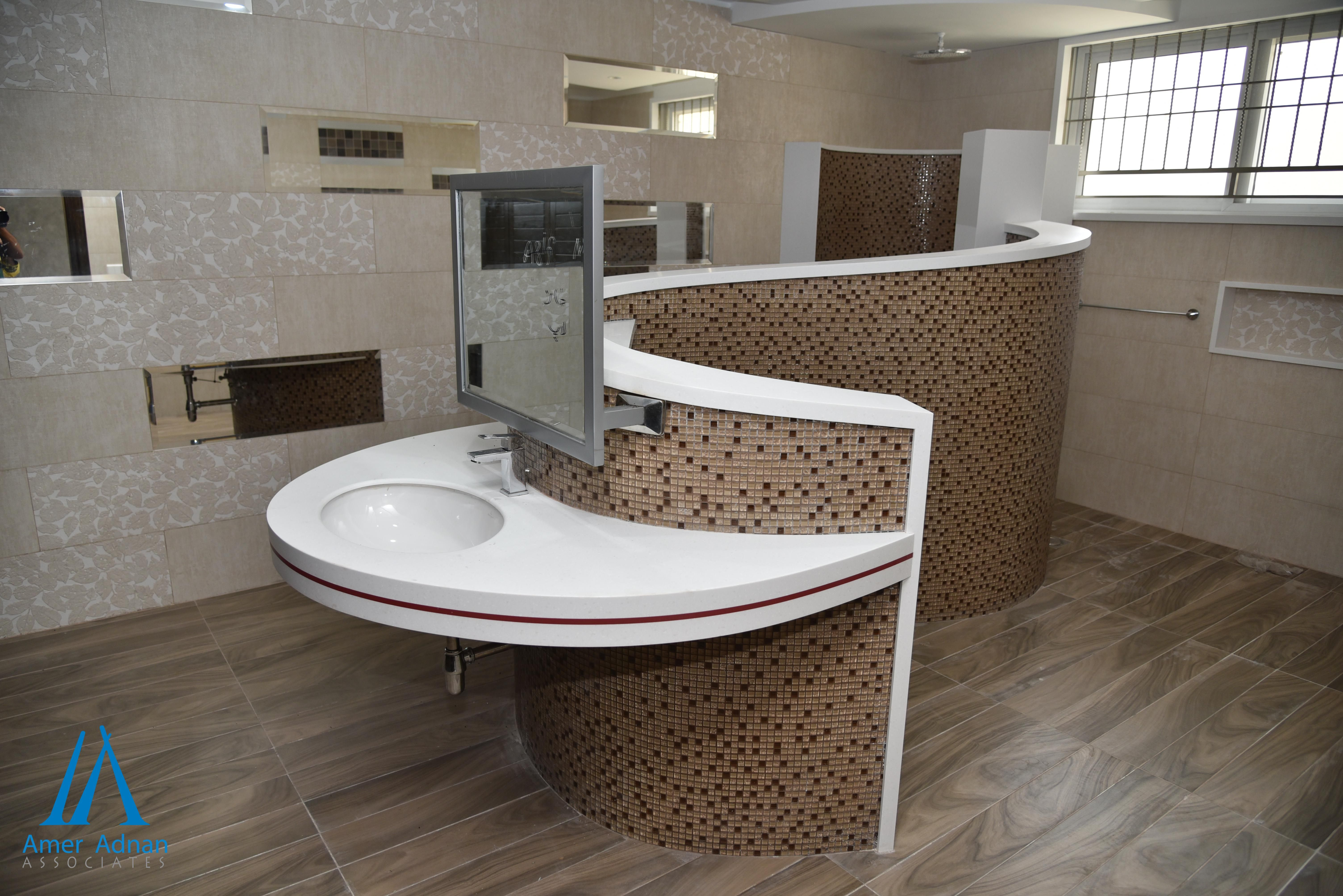 Want To Renovate Your Old Bathroom Into A Modern One Call 0423 6655262 Or Visit Www Bathroom Interior Design Interior Design And Construction Bathroom Design