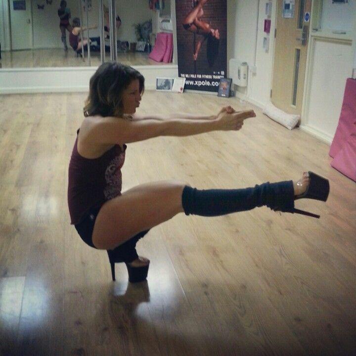Pistol squat in 8 inch heels. ♥Crossfit ♡pole-dancing ...
