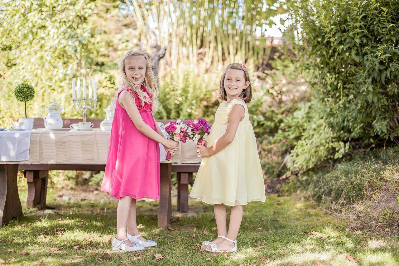 Tolle festliche Kleider zur Hochzeit für die Blumenmädchen ...