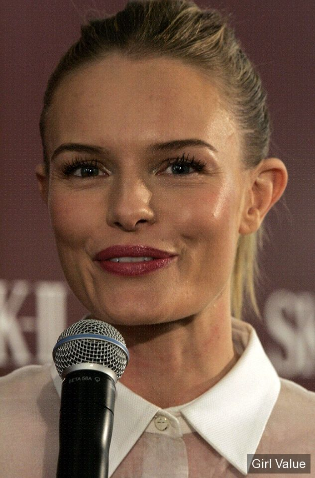 kate bosworth with cute smail photos eyes