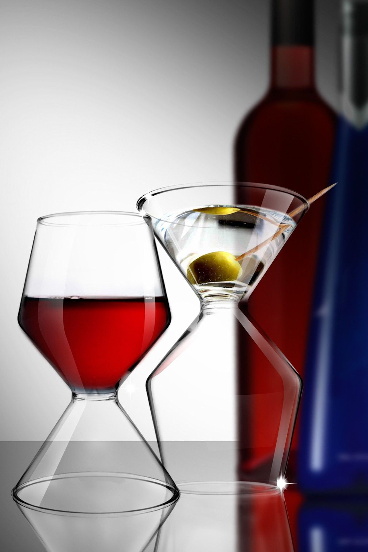 A Wine And Martini Glass In One Just Turn It To Switch Brilliant Idea Product Design With Images Martini Wine Wine Glass