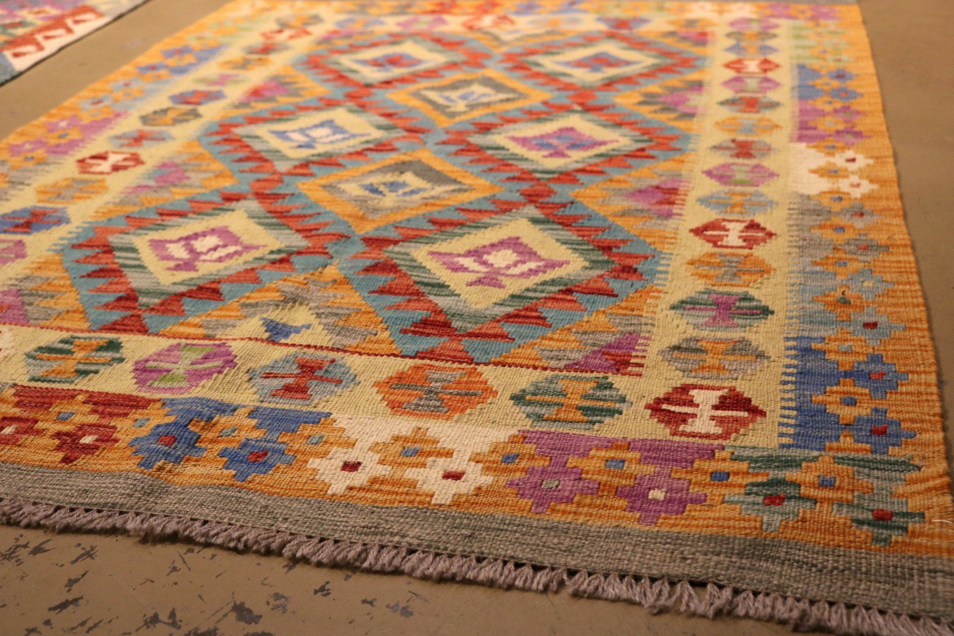 Pin By Laura Biber On House In 2020 Rug Gallery Rugs Rug Design