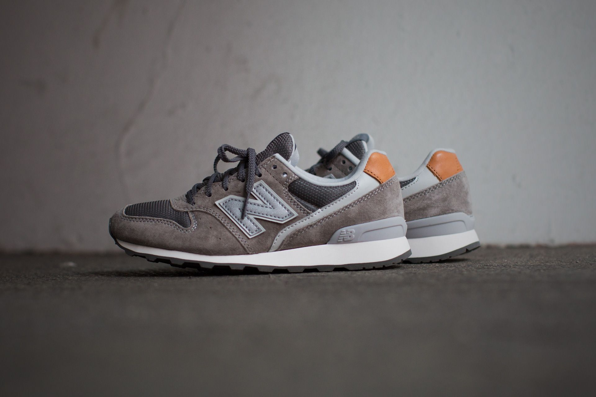 NEW BALANCE WR996 GB GREY/GRIS available at: www.tint ...