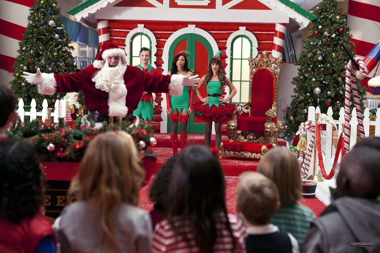 new glee previously unaired christmas still kurt santana rachel - Glee Previously Unaired Christmas