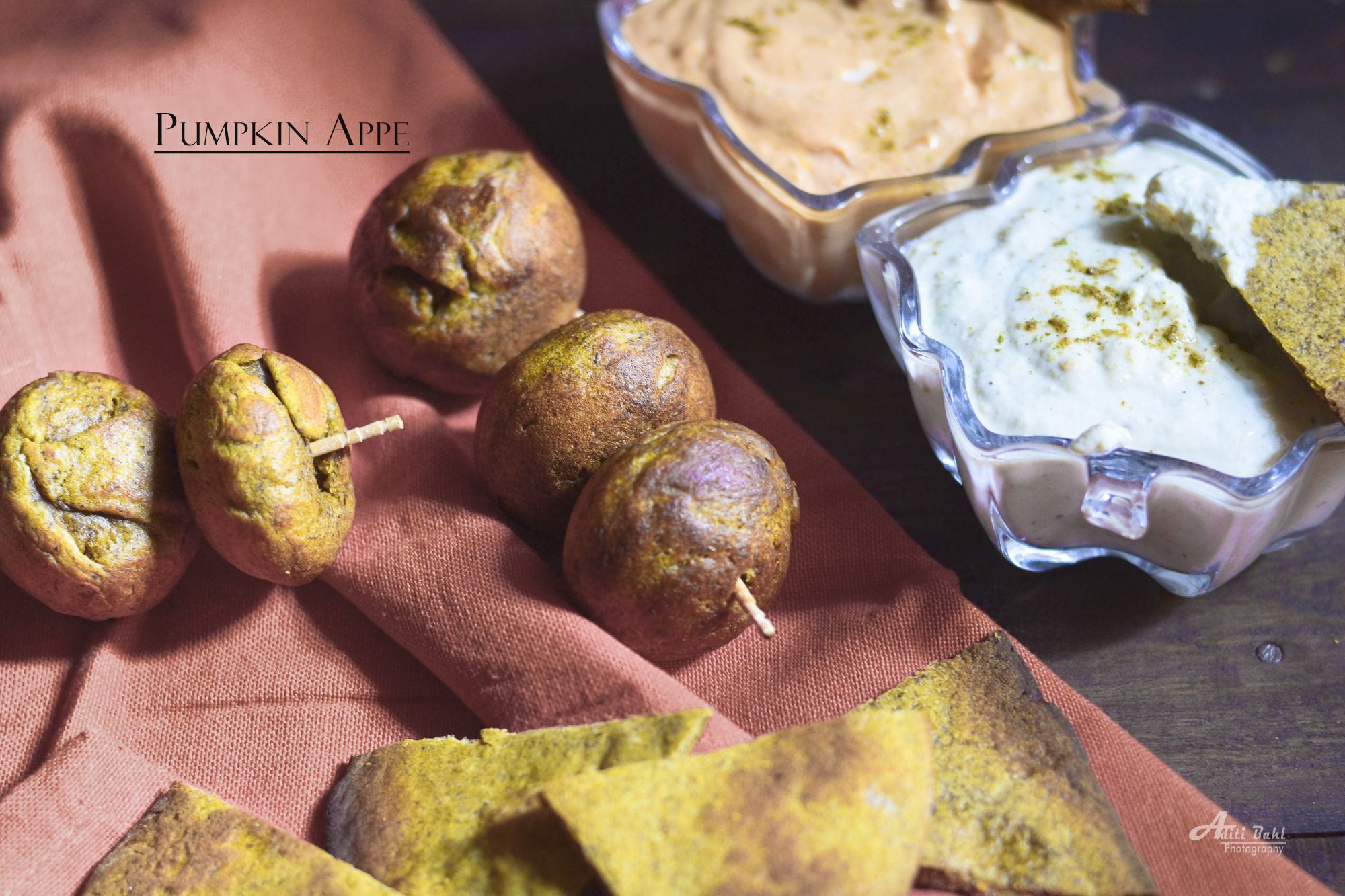 Pumpkin And Kuttu Singhare Ke Appe Gluten Free and Vegan Fating meal option. Appe made from pumpkin along with buckwheat flour and water-chestnut flour. A healthy substitute to the fried fasting recipes.They are light on the tummy and do not make you feel bloated at all.I tried them for the first time this year and instantly fell in love with them.Can be eaten in supper or a morning snack if you do.Super healthy as they have pumpkin.A perfect Fall recipe and can be eaten at as a halloween…
