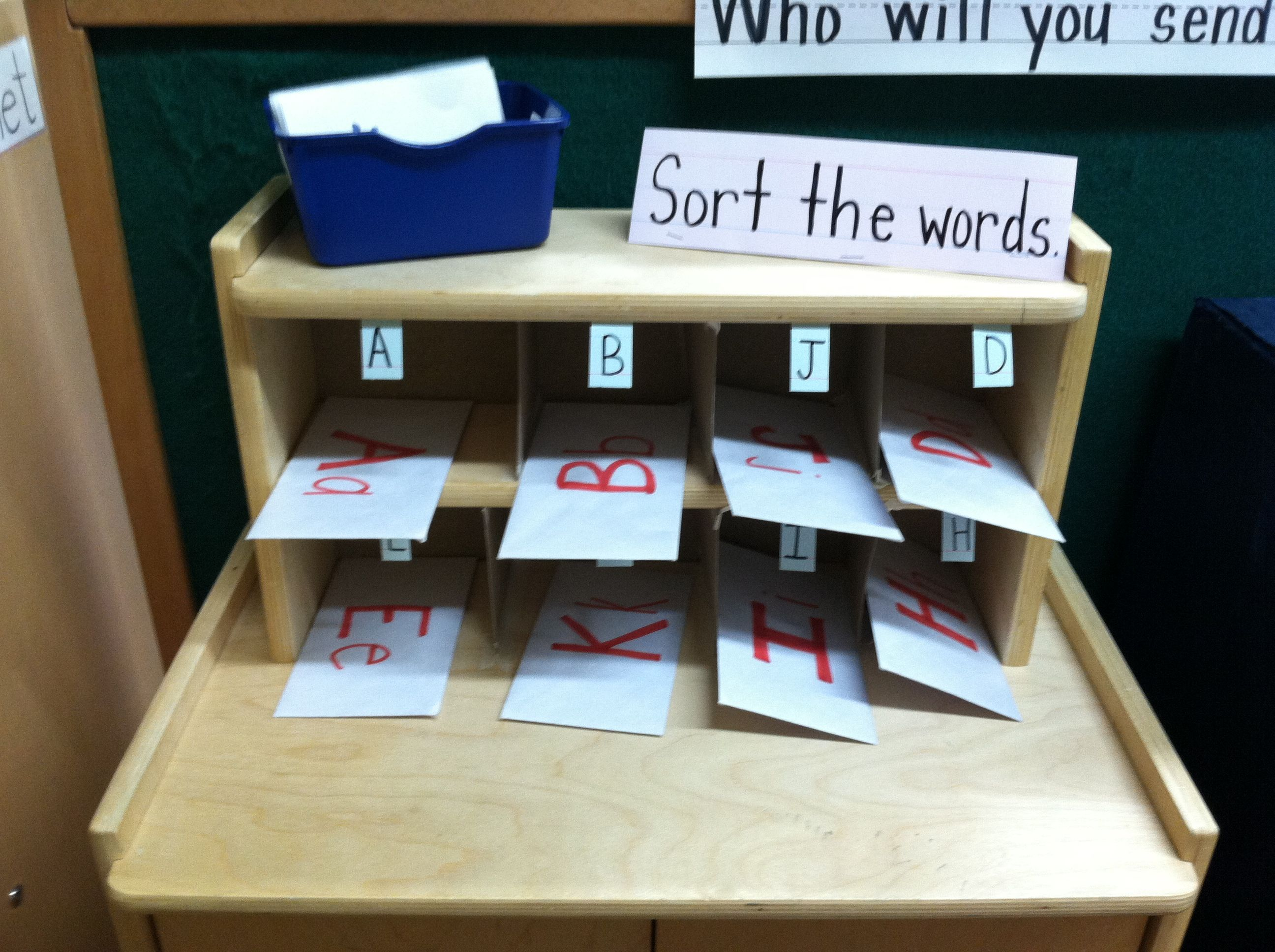 Preschool post office game. Sort the mail! Sort the words