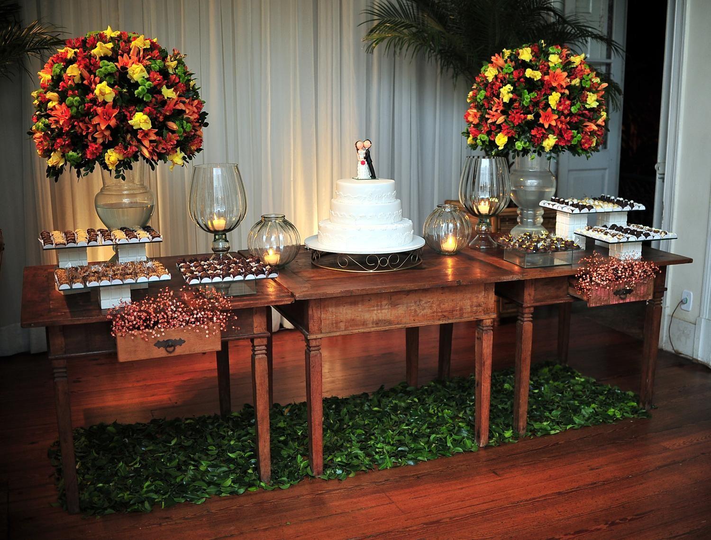 mesa do bolo casamento foto Pesquisa Google Ideias para o casamento Mesa do bolo casamento  -> Decoração De Mesa Do Bolo Para Casamento Simples