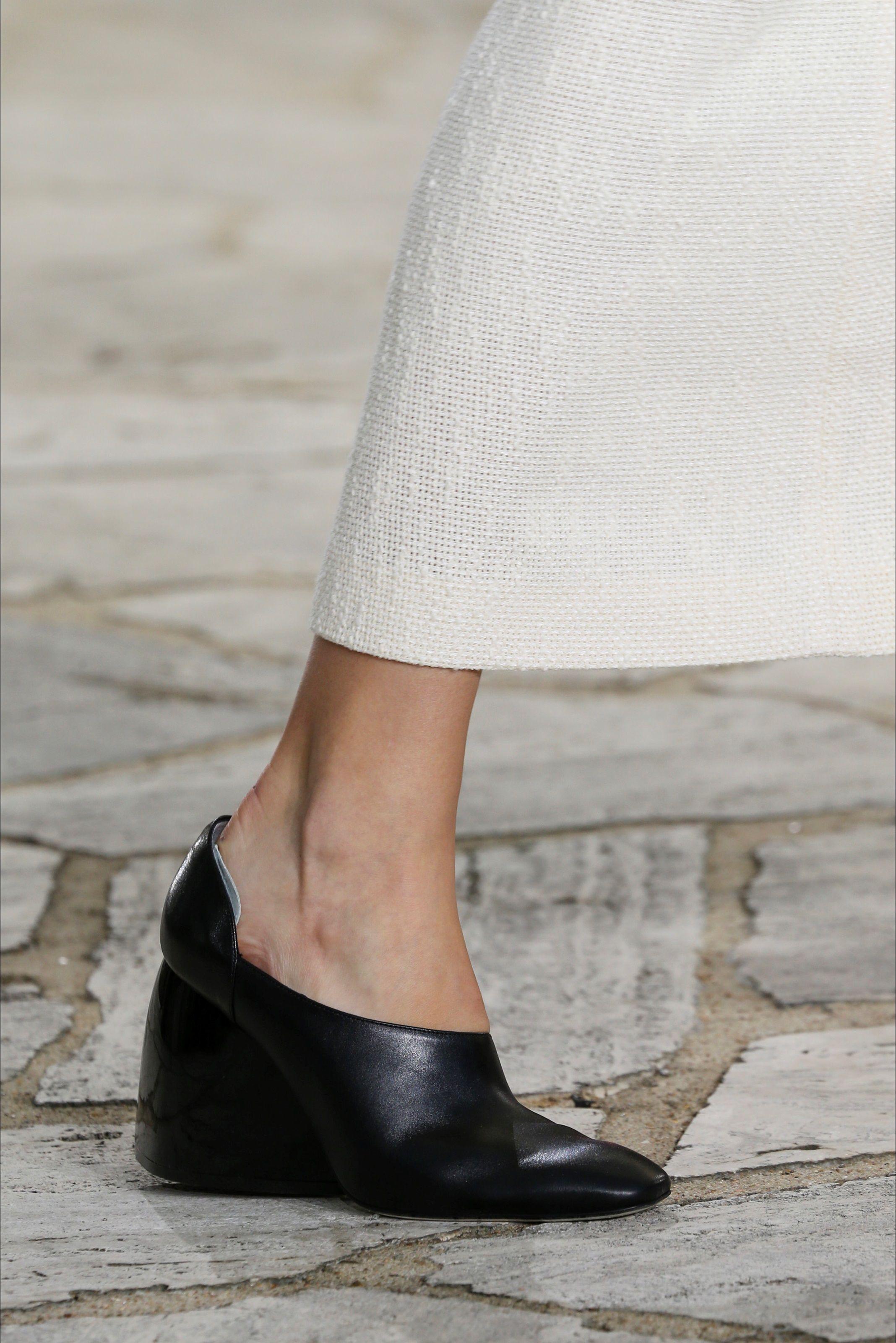 Sfilata Loewe Parigi - Collezioni Primavera Estate 2015 - Vogue