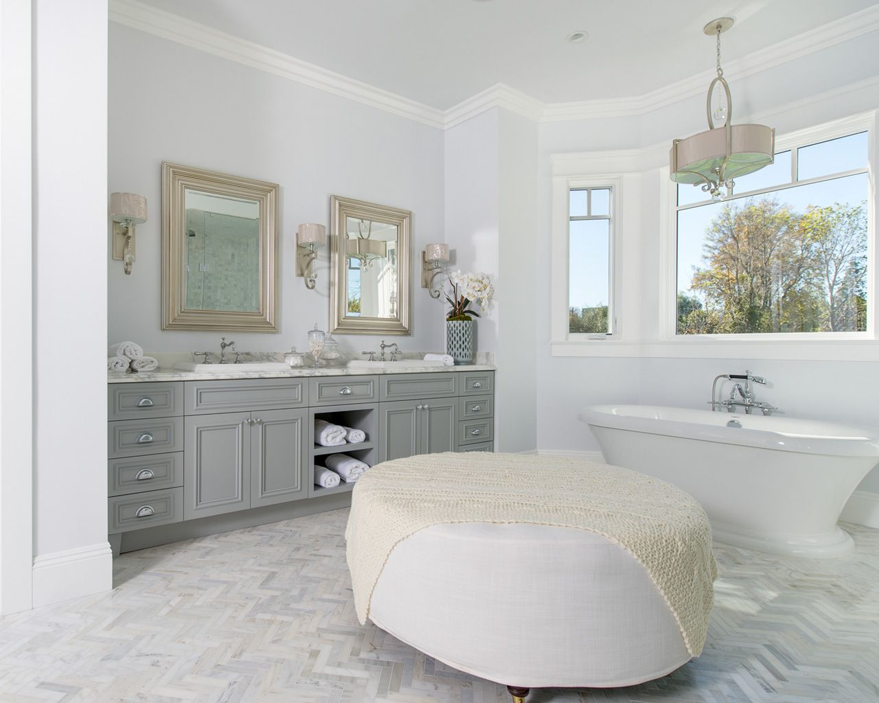 White Bench, soak tub light colors | Cape Cod Style Master bathroom ...