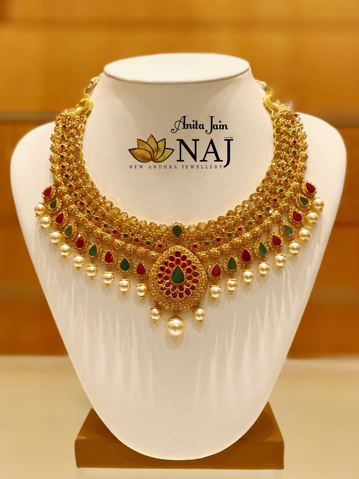 Gold Jewellery Designs Indian Jewellery South Indian Jewellery Bridal Jewellery We Gold Necklace Indian Bridal Jewelry Gold Jewellery Design Bridal Jewelry