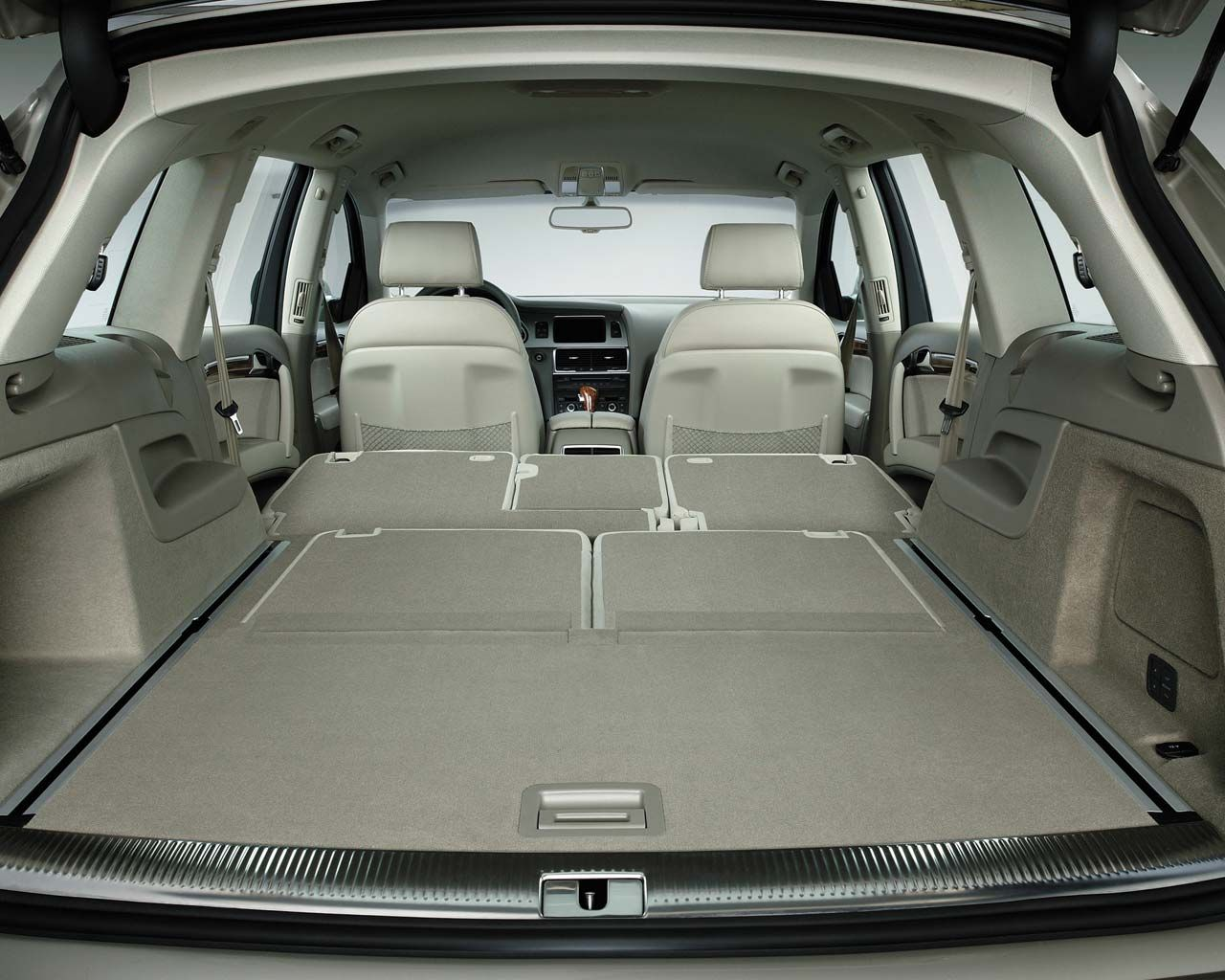 The Audi Q7 Interior Luxurious And Ious