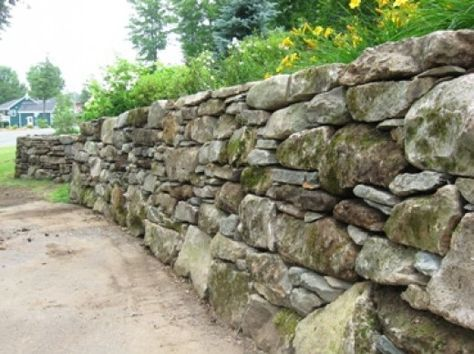 Natural Stone Retaining Wall, How To Build A Natural Stone Garden Wall