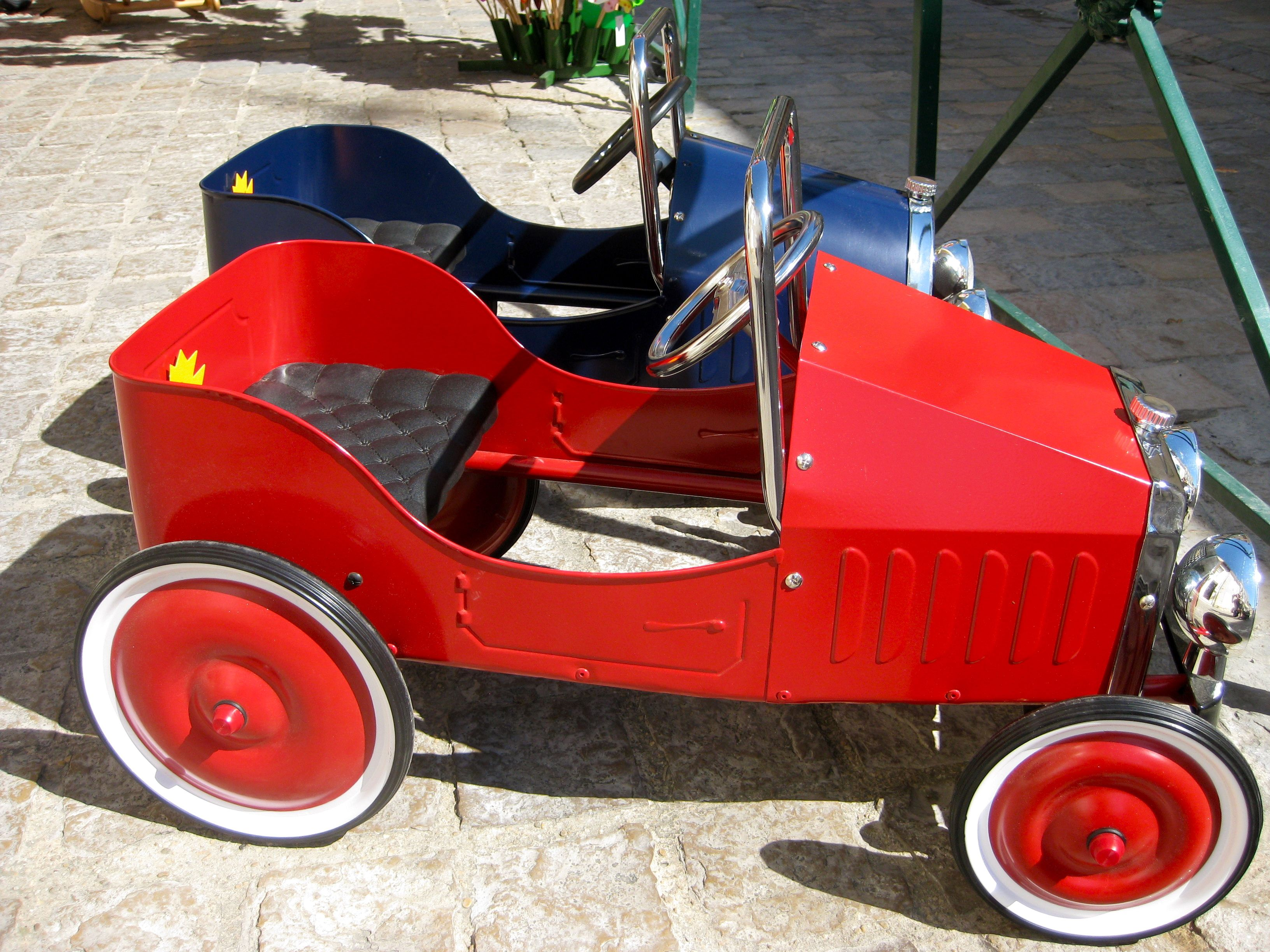 Cars To Buy In Aigues Mortes A Medieval City Near Montpellier In The Carmargue Toy Car Medieval Aigues Mortes