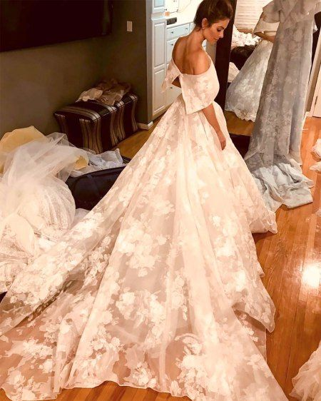 Tony Ward La Mariée Fall 2018 Wedding Dresses: Maria Menounos' Wedding Dress Revealed! See The Romantic