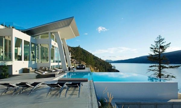 Ultramodern lake house with luxurious details