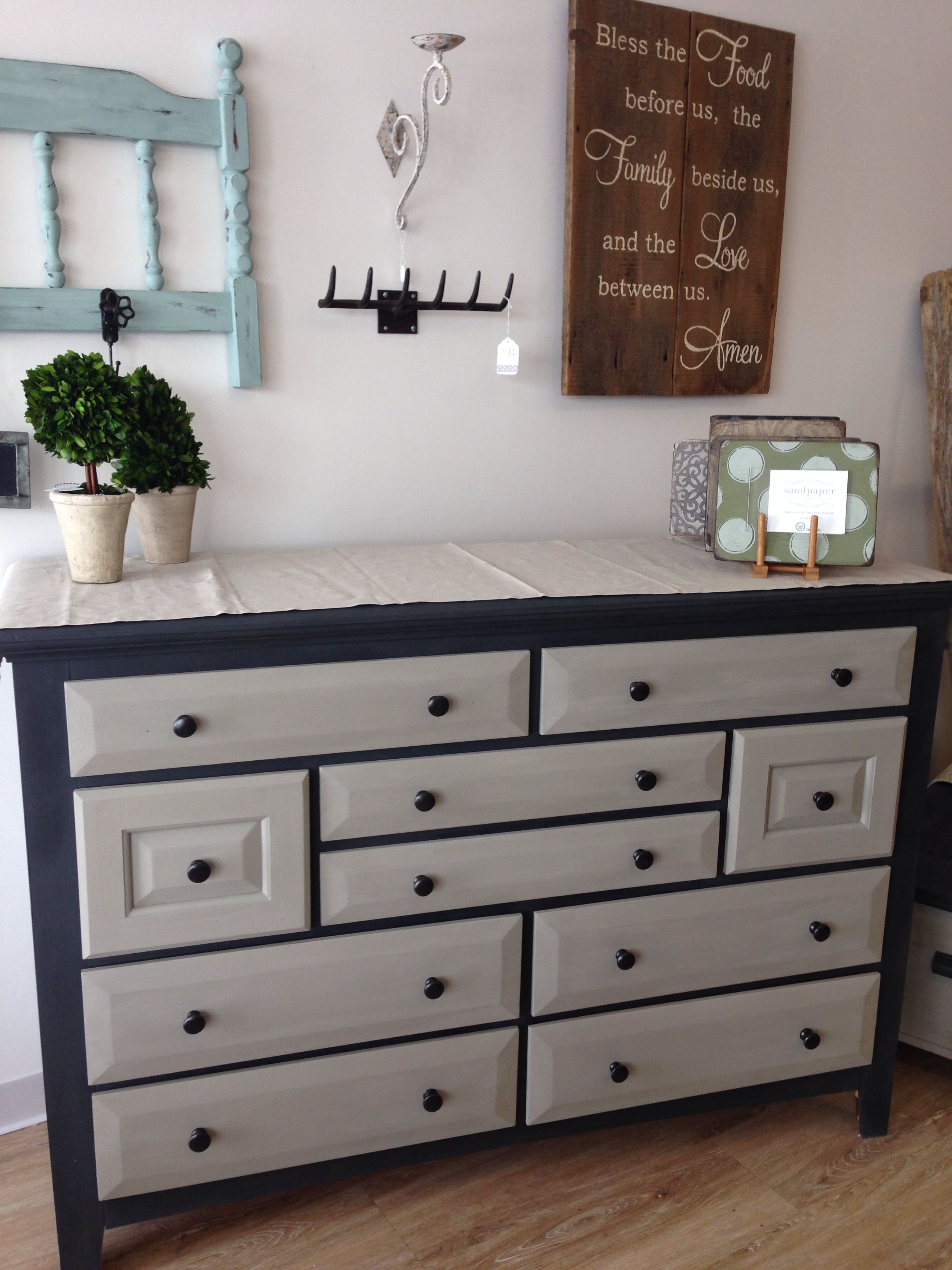 graphite french linen and cream chalk paint decorative paint by annie sloan our shop. Black Bedroom Furniture Sets. Home Design Ideas