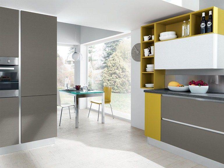 Cucina componibile in legno senza maniglie ESSENZA | Cucina ...