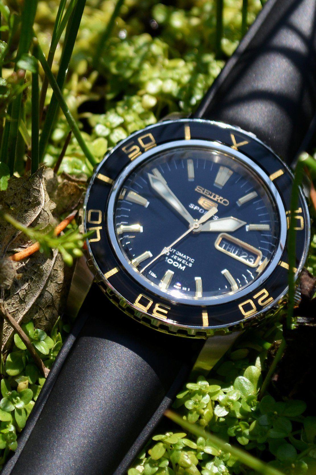 Hirsch URBANE Natural Rubber Watch Strap in BLACK  754a37b73c