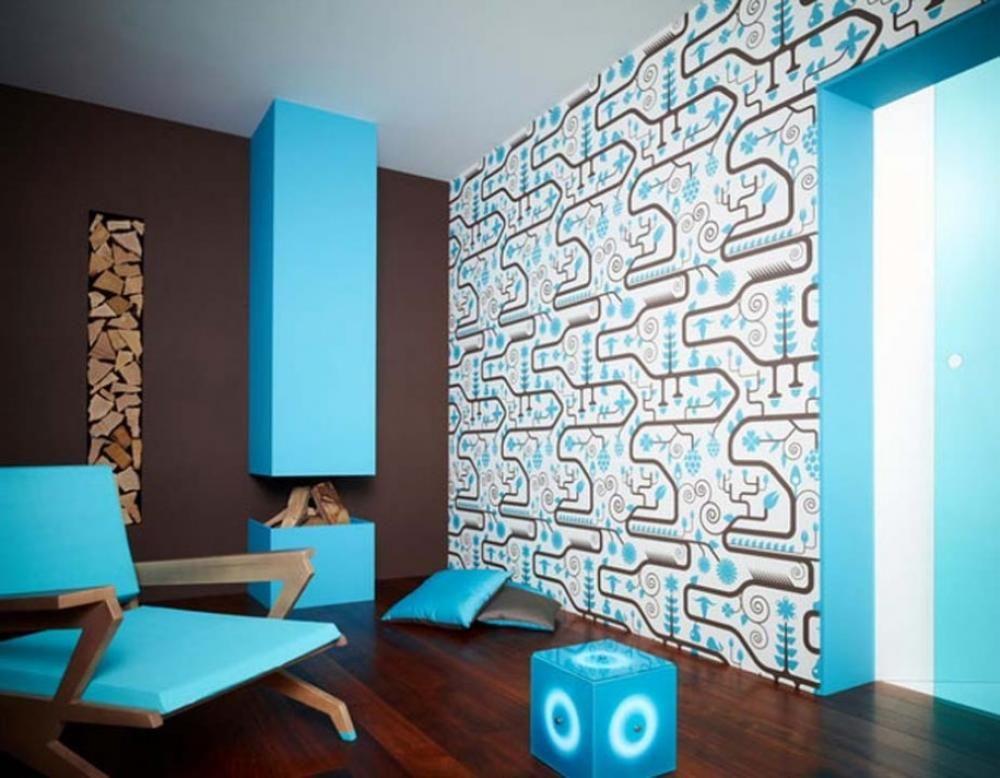 Wohnzimmer Braun Mit Kamin Und Sessel Blau-wandfarbe Hellblau ... Wohnzimmer Deko Blau