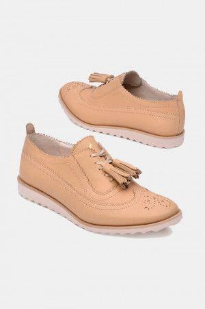 95f06027d83 Pin de blanca torres en zapatos