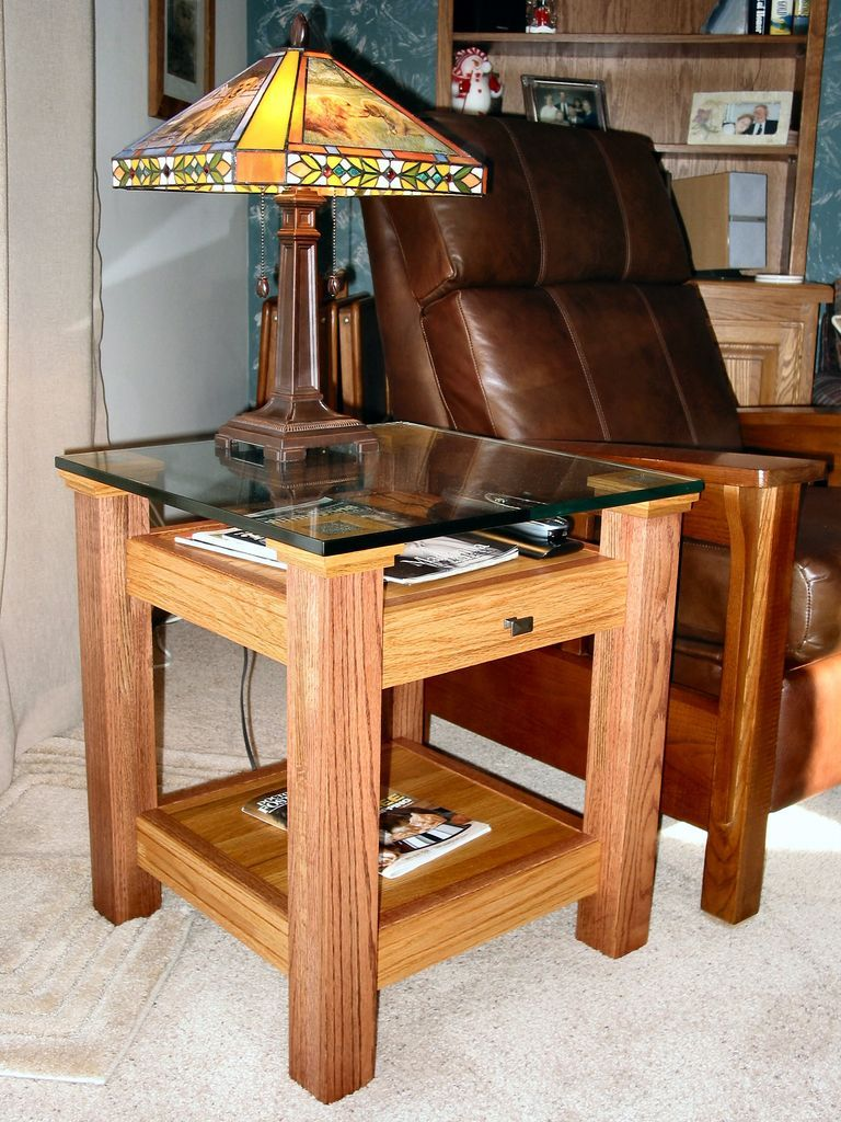 Oak glass display top end table small wood projects for Easy diy woodworking projects