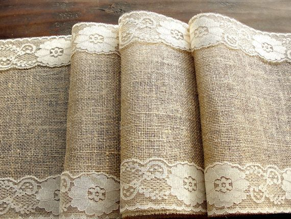 Burlap Table runner with dusty hay country lace por HotCocoaDesign