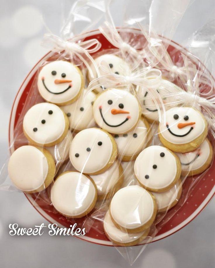 Schneemänner Süßes Lächeln #lacheln #schneemanner - brottbacken #christmasicingrecipe
