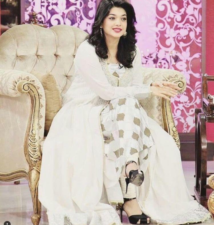 78a40f43e7 Sanam jung my fvrt! Pakistani Dramas, Pakistani Actress, Pakistani Dresses,  Wedding Hijab