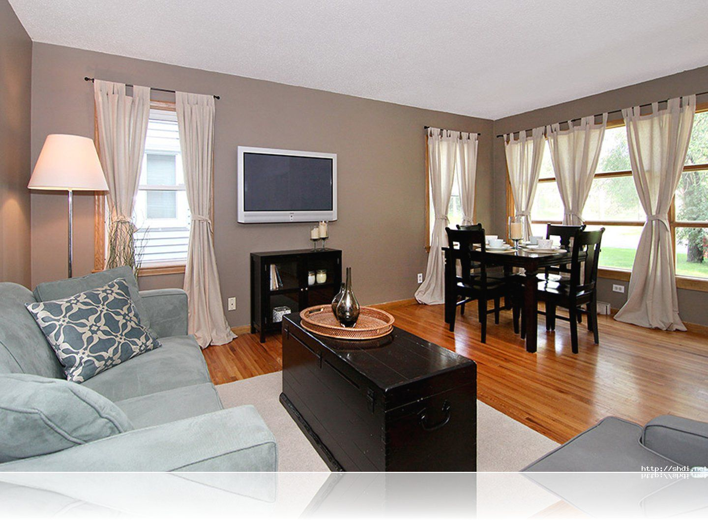 Decorating Ideas For A Small Living Room Dining Room Combo ...