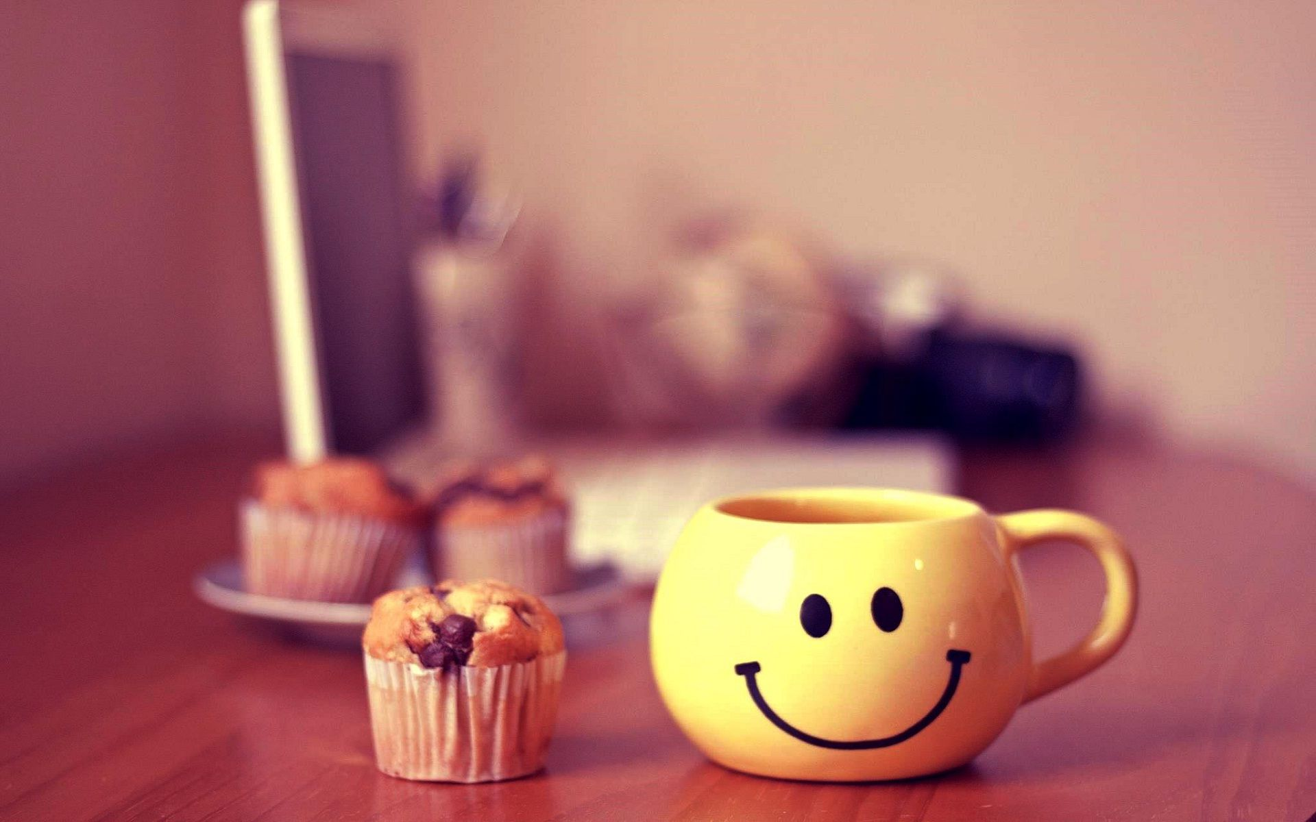 Download Free Keep Smiling Mobile Wallpaper Contributed By