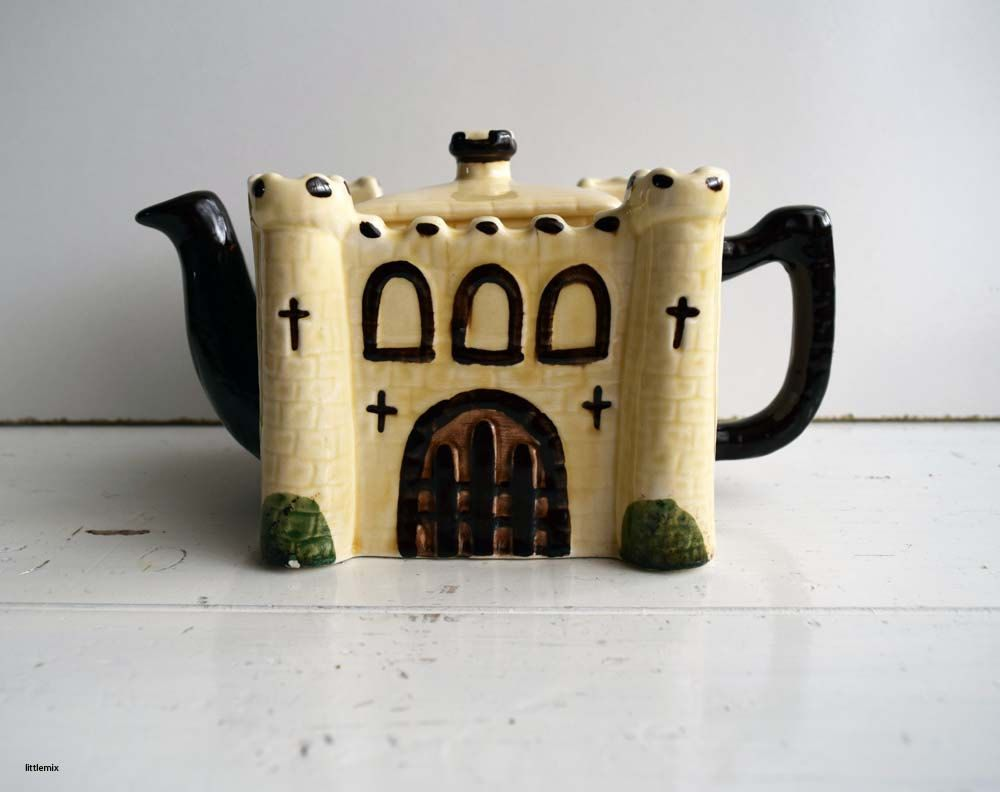 Vintage Tony Wood Staffordshire England The International Collection 'Castle'…