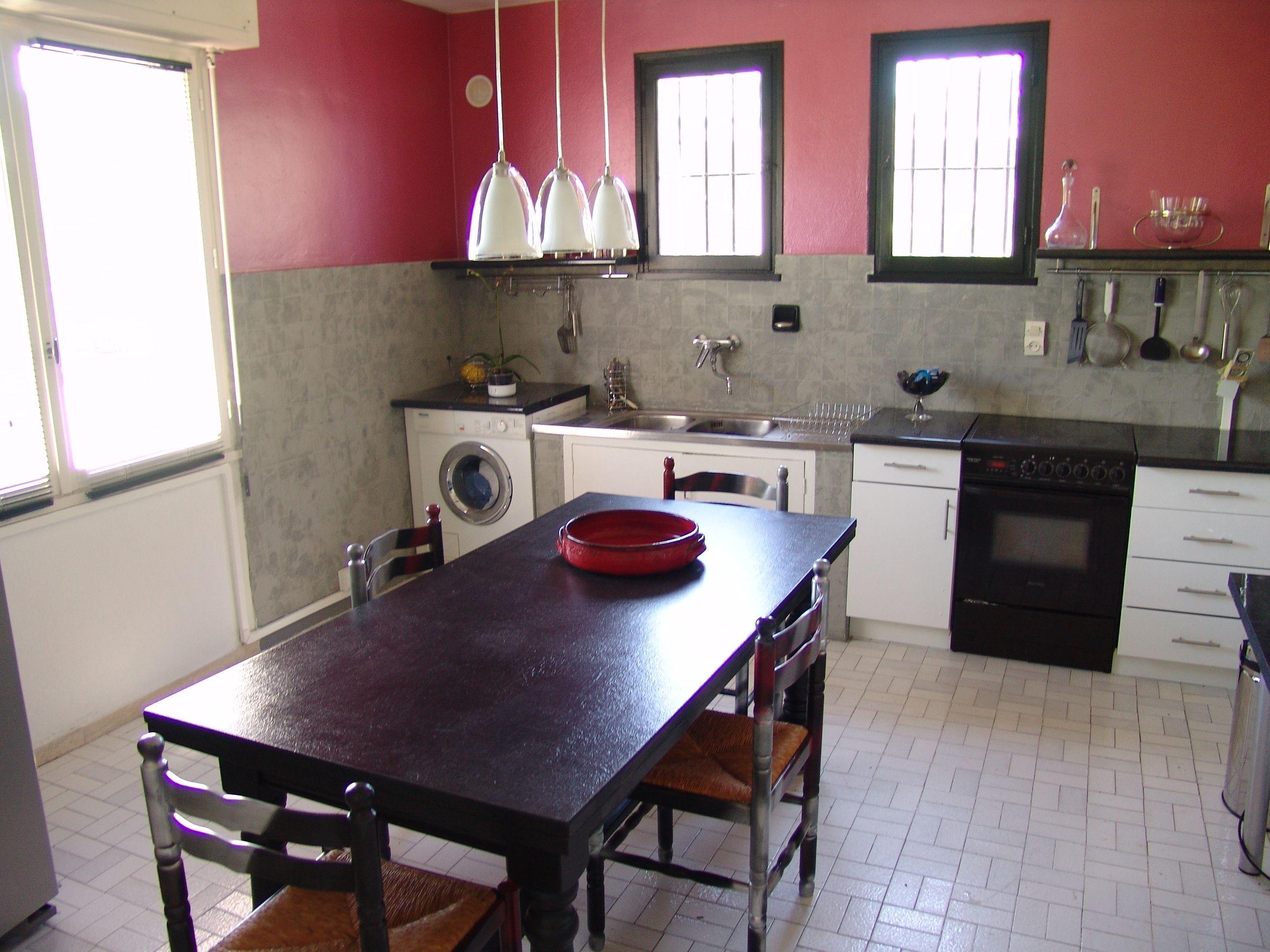 Peinture et r sine pour peindre du carrelage appartement - Comment peindre carrelage salle de bain ...