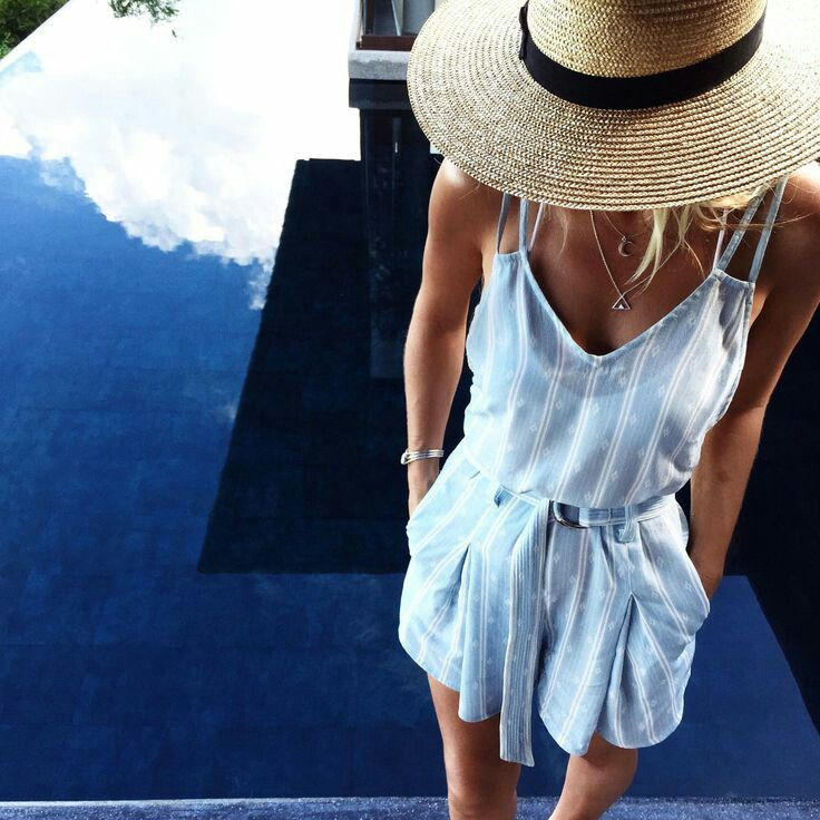 To get a perfect look and prevent the heat of the sun, have a Straw Hats this summer!