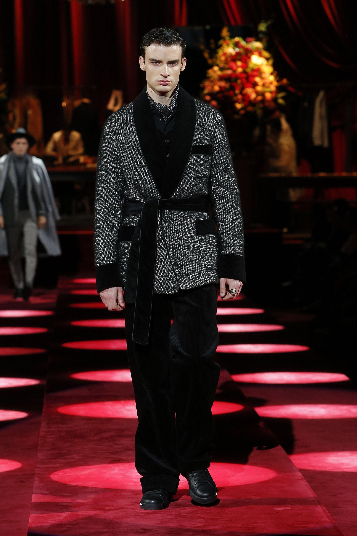 Video e foto dalla passerella del Fashion Show Dolce   Gabbana ... bf76c97aba2