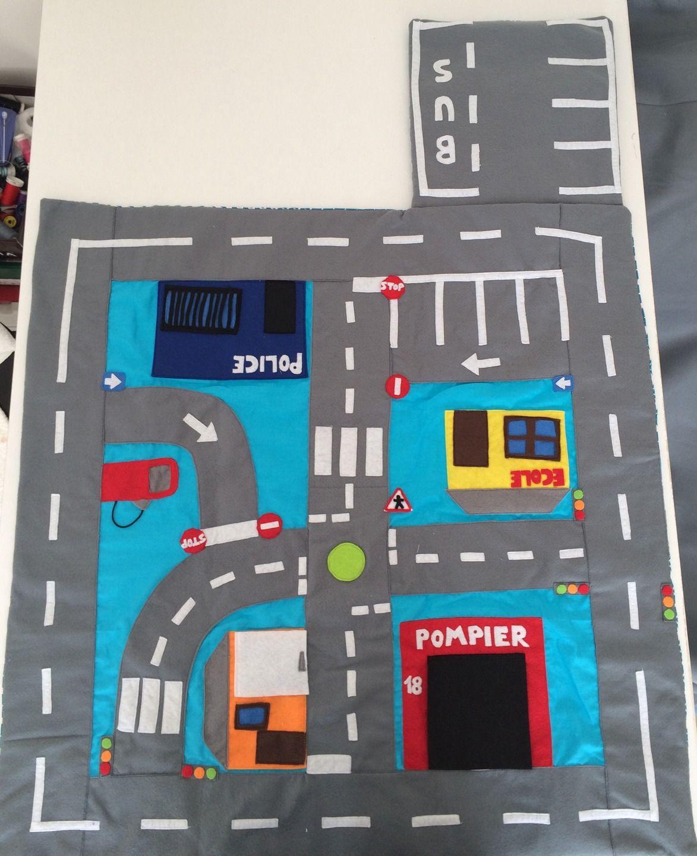 tapis petites voitures transportable jeux jouets par mes petits tissus peluches et doudou. Black Bedroom Furniture Sets. Home Design Ideas