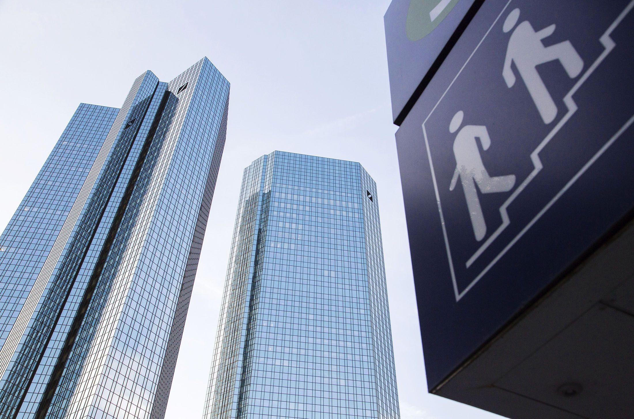 Deutsche Bank Tumbles as DoJ Claim of 14 Billion Rebuffed