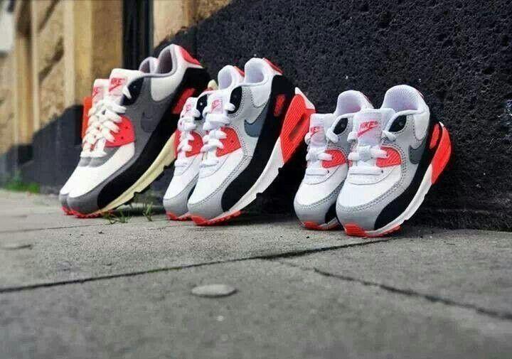 Papa,hija y hijo | etiquetas en 2019 | Jordania, Nike