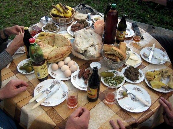 Rustikales Essen in Kartli